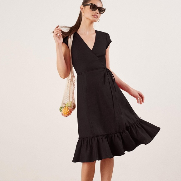 aa940e42b0 Reformation Black LInen Apricot Wrap Dress